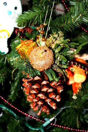 Pinecone Ornament: Stage I