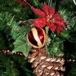 red-ornament2-lg